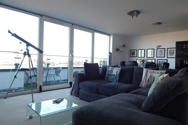 Thumbnail Flat to rent in Mistral, Channel Way, Southampton