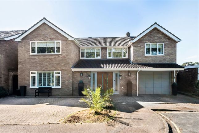 5 bed detached house for sale in Broadwater, Potters Bar EN6