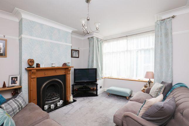 Lounge of Warminster Road, Sheffield S8