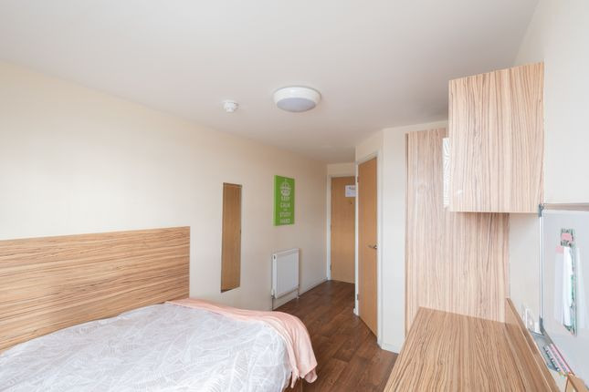 Room to rent in Falkland House, 20 Falkland Street, Liverpool