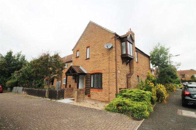 Thumbnail Semi-detached house to rent in Linceslade Grove, Loughton, Milton Keynes