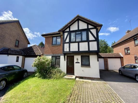 Thumbnail Link-detached house for sale in Pyrford, Surrey