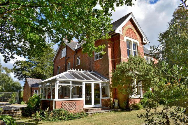 Thumbnail Property for sale in Cottagers Lane, Hordle, Lymington