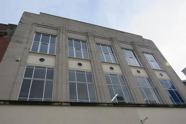 Thumbnail Flat to rent in Market Place, Rugby