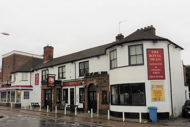 Thumbnail Pub/bar for sale in London Road, Blackwater