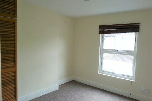 Thumbnail Flat to rent in Villiers Road, Watford