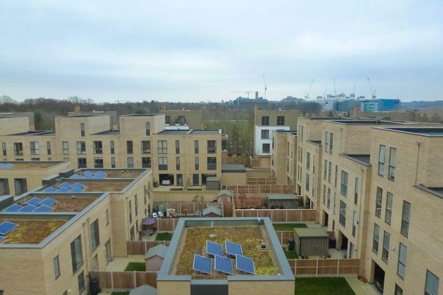 Thumbnail Flat to rent in Seekings Close, Trumpington, Cambridge