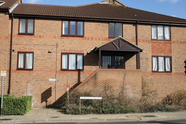 Thumbnail Flat to rent in Linden Place Fairfield Avenue, Staines Middlesex