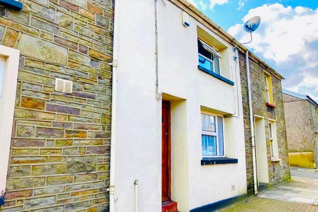 2 bed property to rent in John Street, Abercwmboi, Aberdare CF44