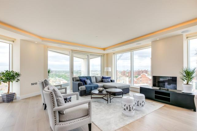 Thumbnail Flat for sale in Lockside House, Chelsea Creek, London