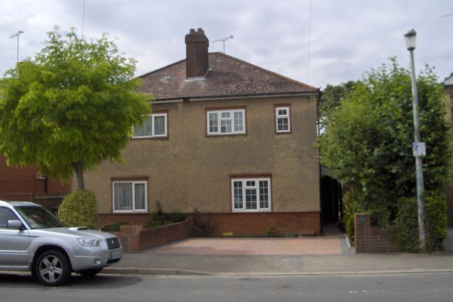 Thumbnail Semi-detached house to rent in Tower Ave, Chelmsford