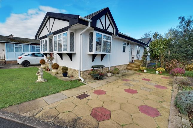 Thumbnail Mobile/park home for sale in Riverside, Broadway Park, Childswickham Road, Broadway, Worcestershire