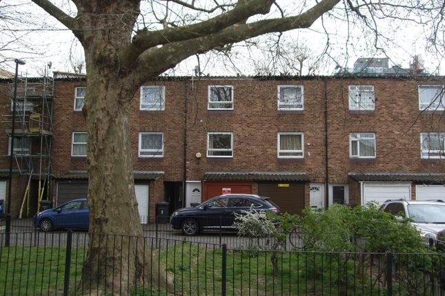Thumbnail Town house to rent in Romney Close, London