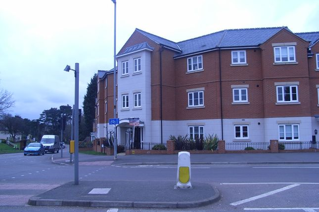 2 bed flat to rent in Hallfields Lane, Leicester