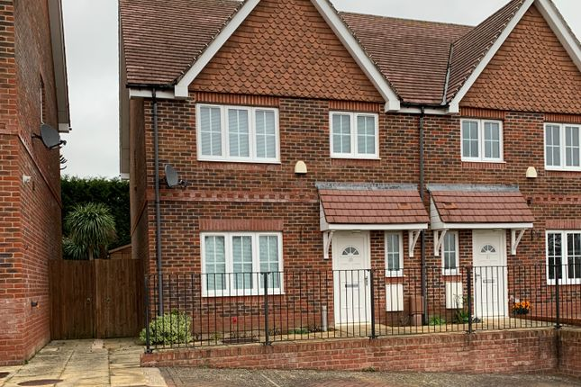 Thumbnail Semi-detached house to rent in Wyndham Close, Waterlooville