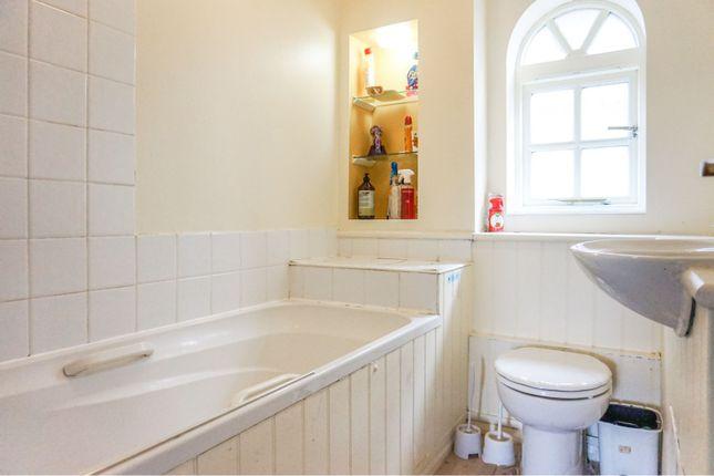 Family Bathroom of Redwood Drive, Basildon SS15