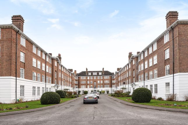Thumbnail Flat for sale in Wimbledon Park Side, Wimbledon, London