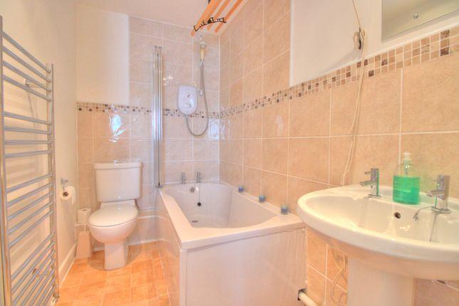 Bathroom of Sett Close, Bovey Tracey, Newton Abbot TQ13
