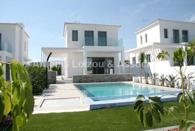 4 bed property for sale in Governor's Beach, Pentakomo, Cyprus