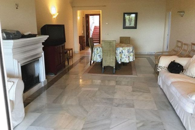 2 bed apartment for sale in 2 Bed Garden Apartment, Benahavis, Malaga