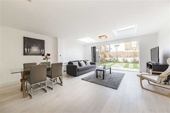 4 bed terraced house for sale in St. Margarets Road, London
