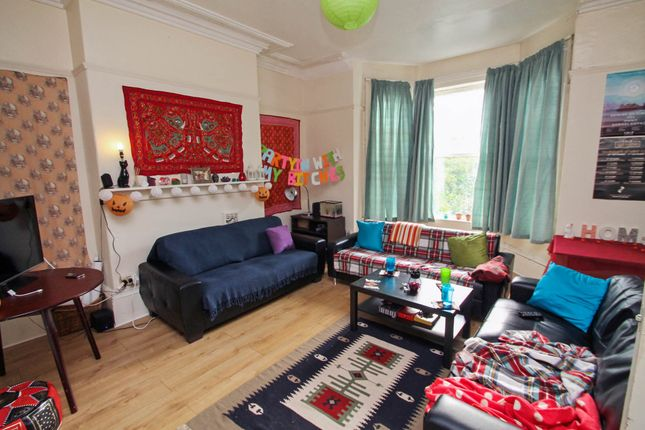 Thumbnail Terraced house to rent in Moorland Avenue, Hyde Park, Leeds