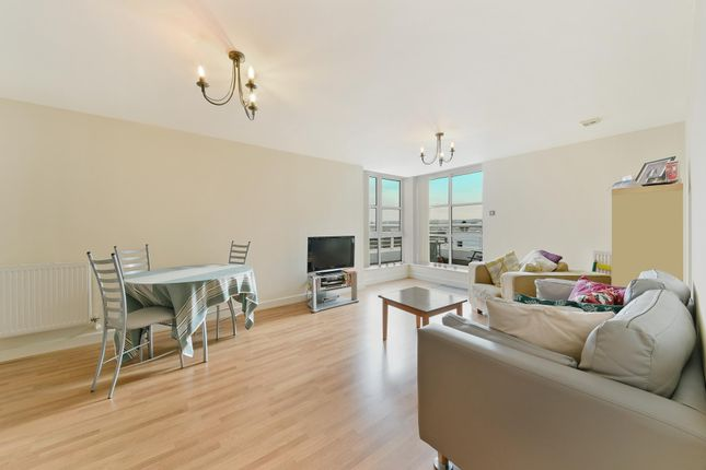 Thumbnail Flat to rent in Barrier Point, Royal Docks, London