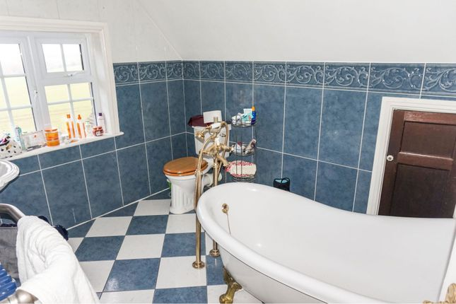 En-Suite of Oxton Hill, Southwell NG25