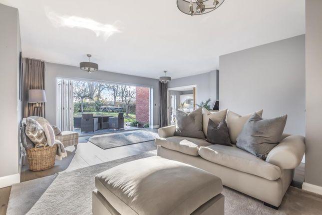 Living Room of Sutherland Avenue, Sunbury-On-Thames TW16