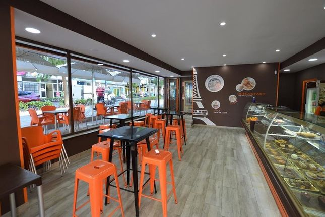 Thumbnail Restaurant/cafe for sale in Fuengirola, Málaga, Spain