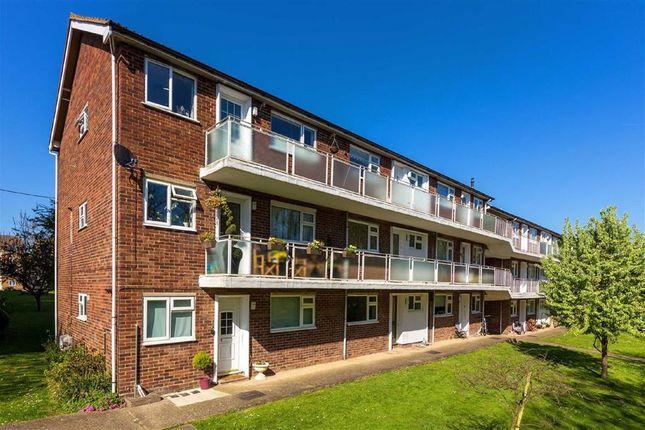 Thumbnail Maisonette to rent in The Ridgeway, St Albans, Hertfordshire