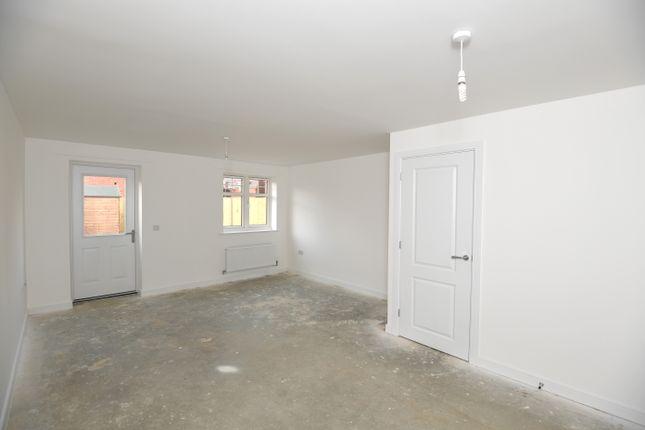 2 bedroom terraced house for sale in Enderlie Close, Emsworth