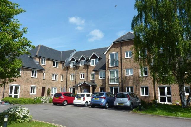 Thumbnail Flat for sale in Avongrove Court, The Avenue, Taunton, Somerset