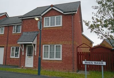 Thumbnail Semi-detached house to rent in Maesmawr, Aberystwyth