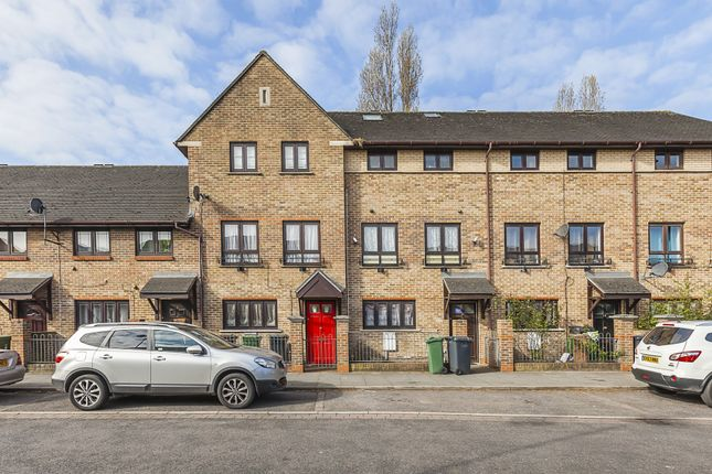 Thumbnail Terraced house for sale in Tupelo Road, Leyton
