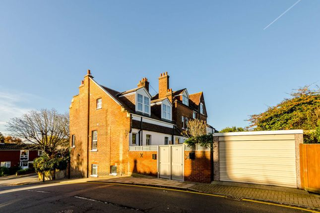 Thumbnail Flat for sale in Highland Road, Shortlands
