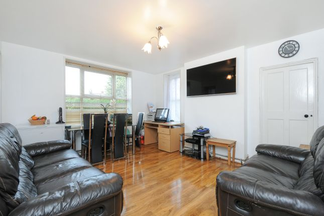 Thumbnail Flat for sale in Malden Way, New Malden