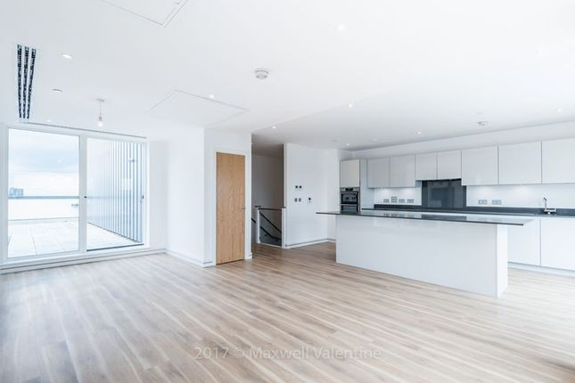 Thumbnail Property to rent in Cherry Orchard Road, Croydon