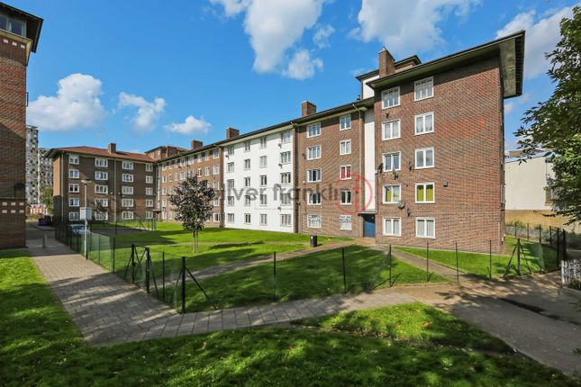 Thumbnail Flat to rent in Roman Road, Bethnal Green