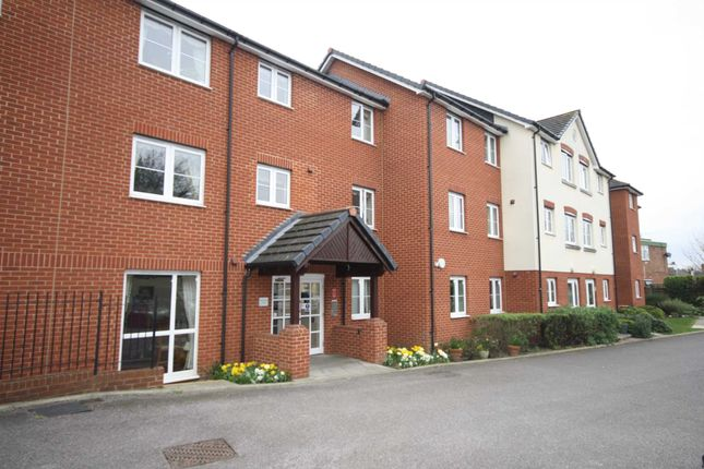 Thumbnail Flat for sale in Southwood Court, Billericay