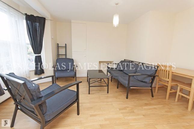 Thumbnail Flat to rent in Mayes Road, Wood Green, London
