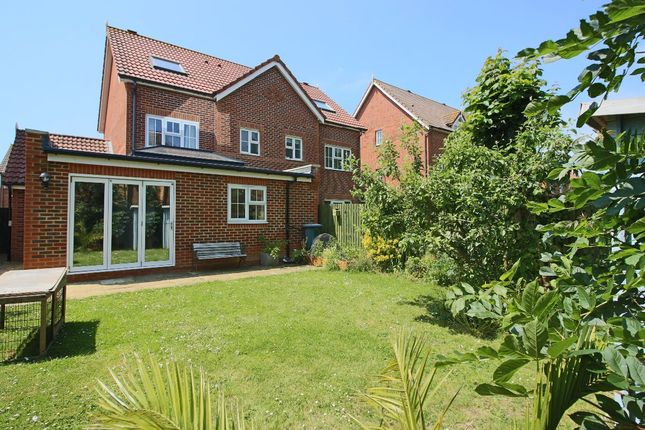 Thumbnail Semi-detached house to rent in Cabot Close, Eastbourne