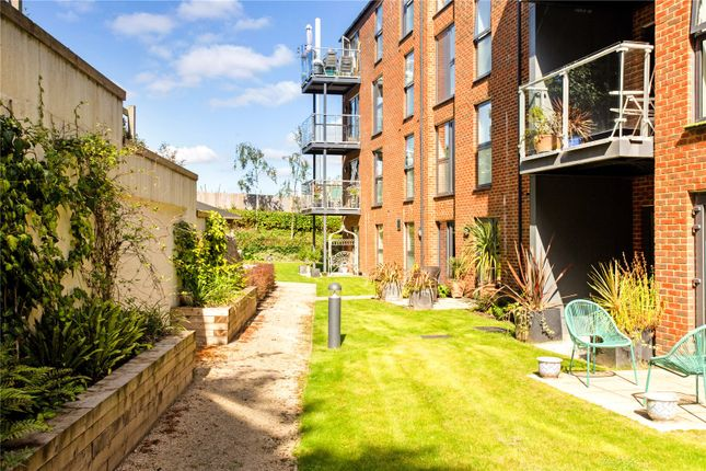 Flat for sale in The Dean, Alresford, Hampshire