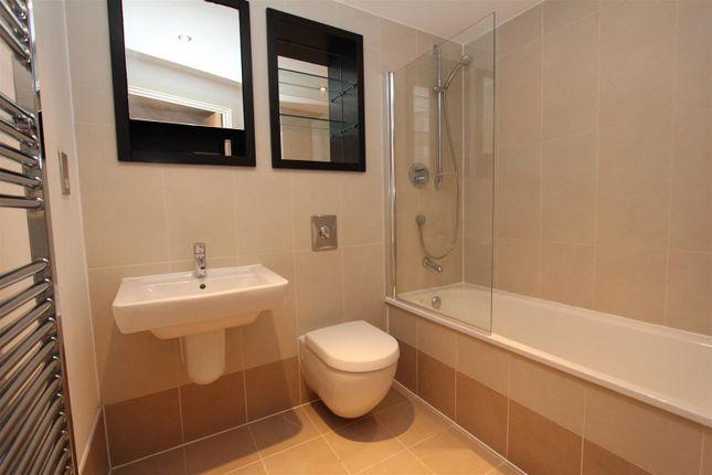 Bathroom1 of Chadwick Street, Hunslet, Leeds LS10