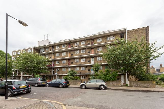 Thumbnail Flat to rent in Kirkwall Place, London