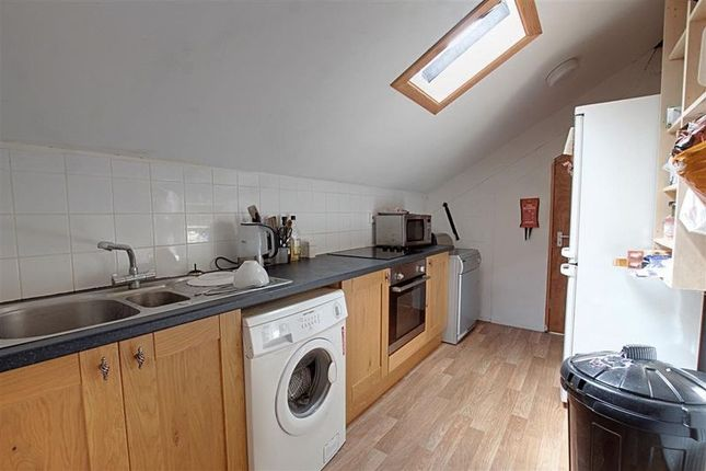 Thumbnail Flat to rent in Lymore Gardens, Bath