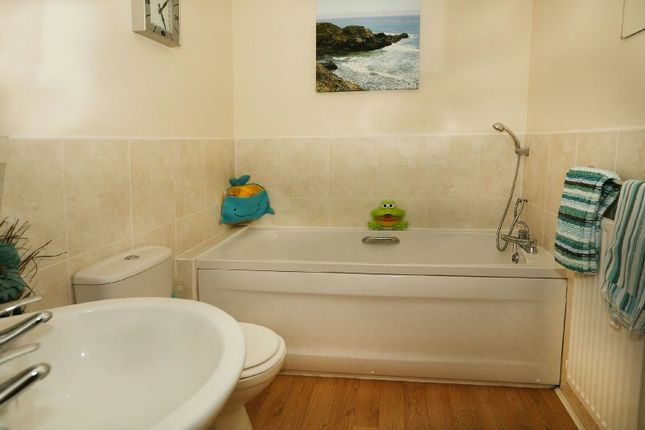 Bathroom of Pippin Grove, Shinfield, Reading RG2