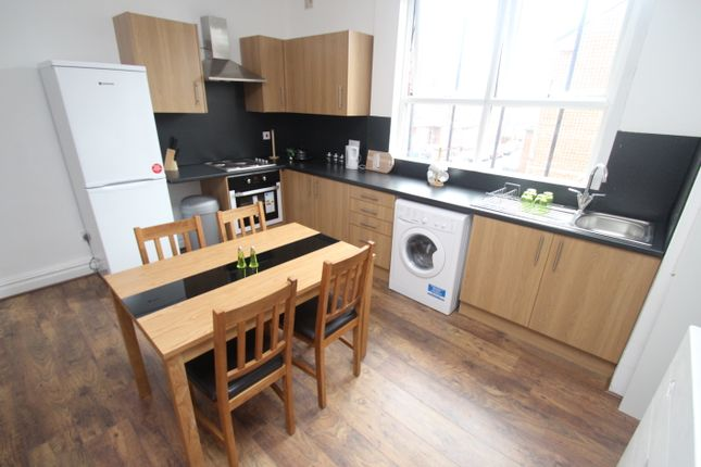 Thumbnail Room to rent in Coldcotes Avenue, Leeds