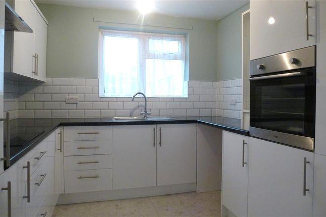 Thumbnail Flat to rent in Bramley Road, Taunton