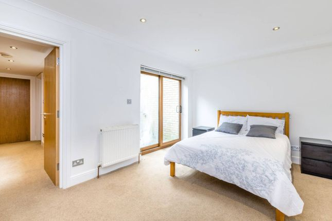 Thumbnail Terraced house for sale in Opera Court, Tufnell Park